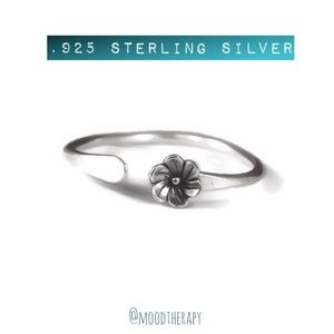 925 Thumb Ring - Dainty Flower - Adjustable